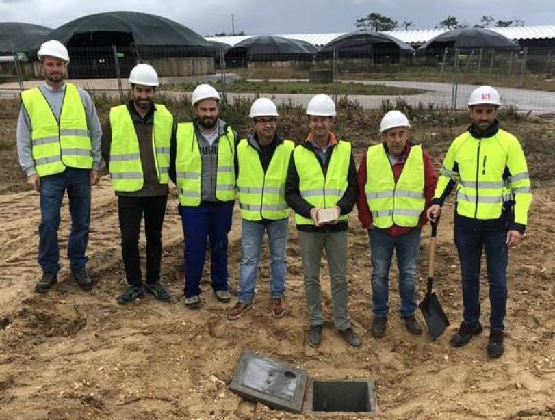 L-R: Sergio Canoso, Jesús Salan, Tiago Dias, David Lima, Luis Toro, Alexandre Cruz and Enrique Ruzo lay the foundation stone at Tocha